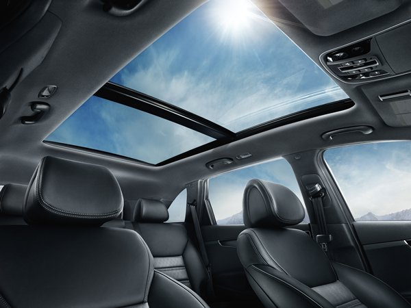 feature_sorento_2016_Panoramic-Sunroof_S--Kia-600x-jpg